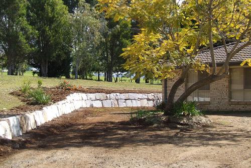 Landscaping Boulders Brisbane : A grade sandstone retaining wall brisbane precision