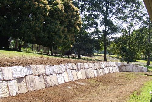 Landscaping Boulders Brisbane : Precision boulder walls brisbane rough sawn a grade
